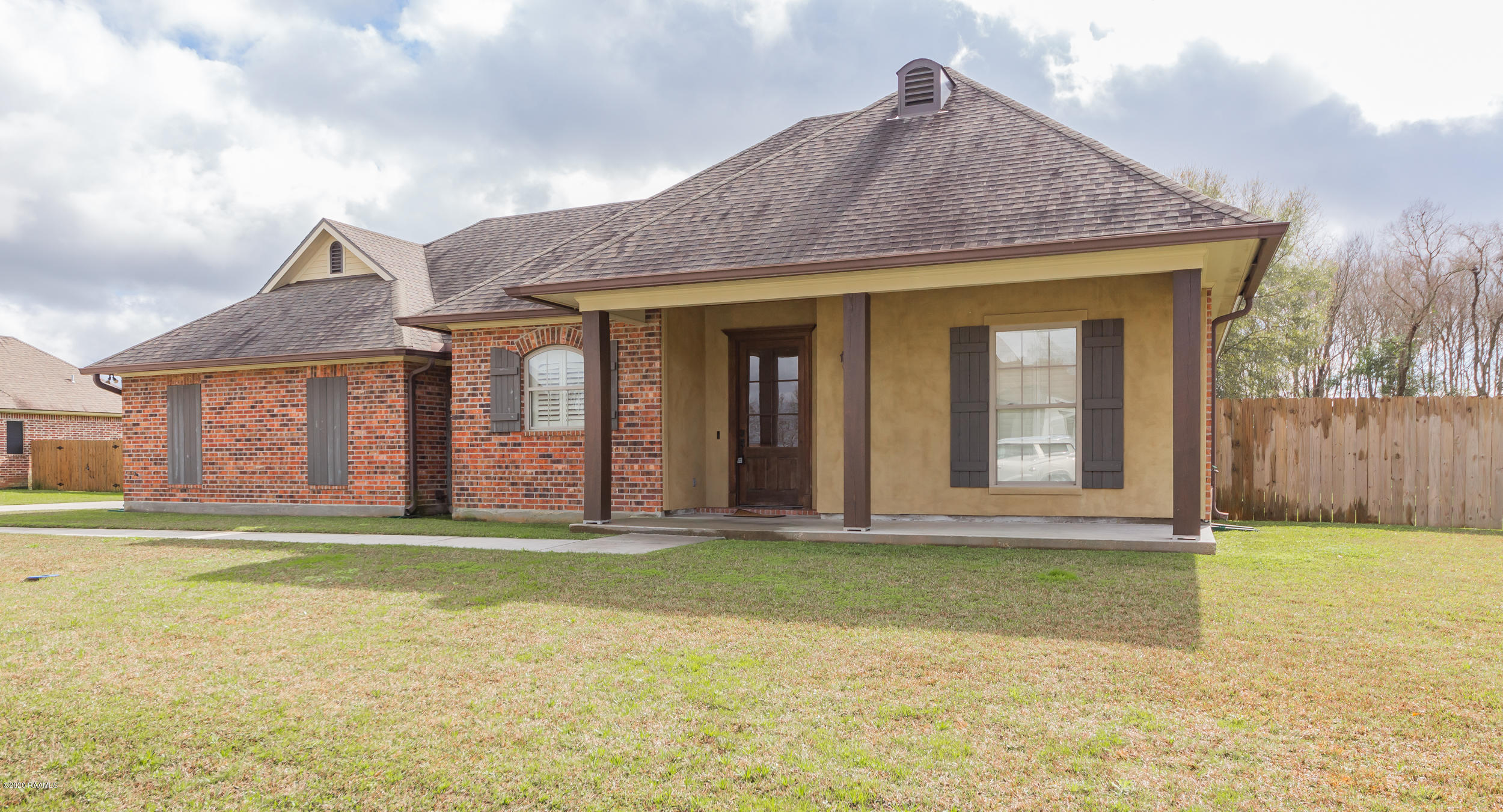 108 Oak Shadows Drive, Youngsville, LA 70592