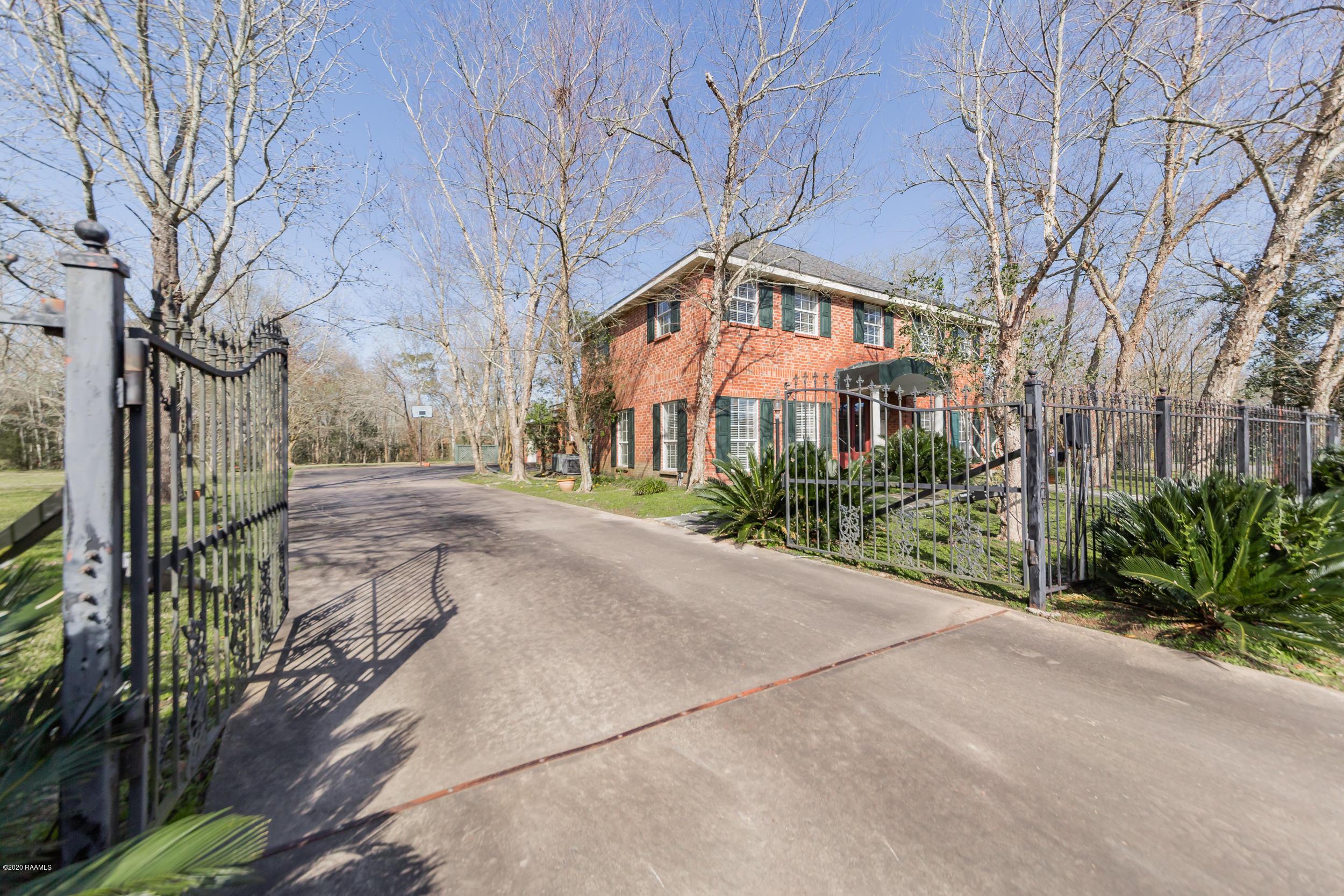 2 Bayou Oaks Drive, Crowley, LA 70526 Photo #10