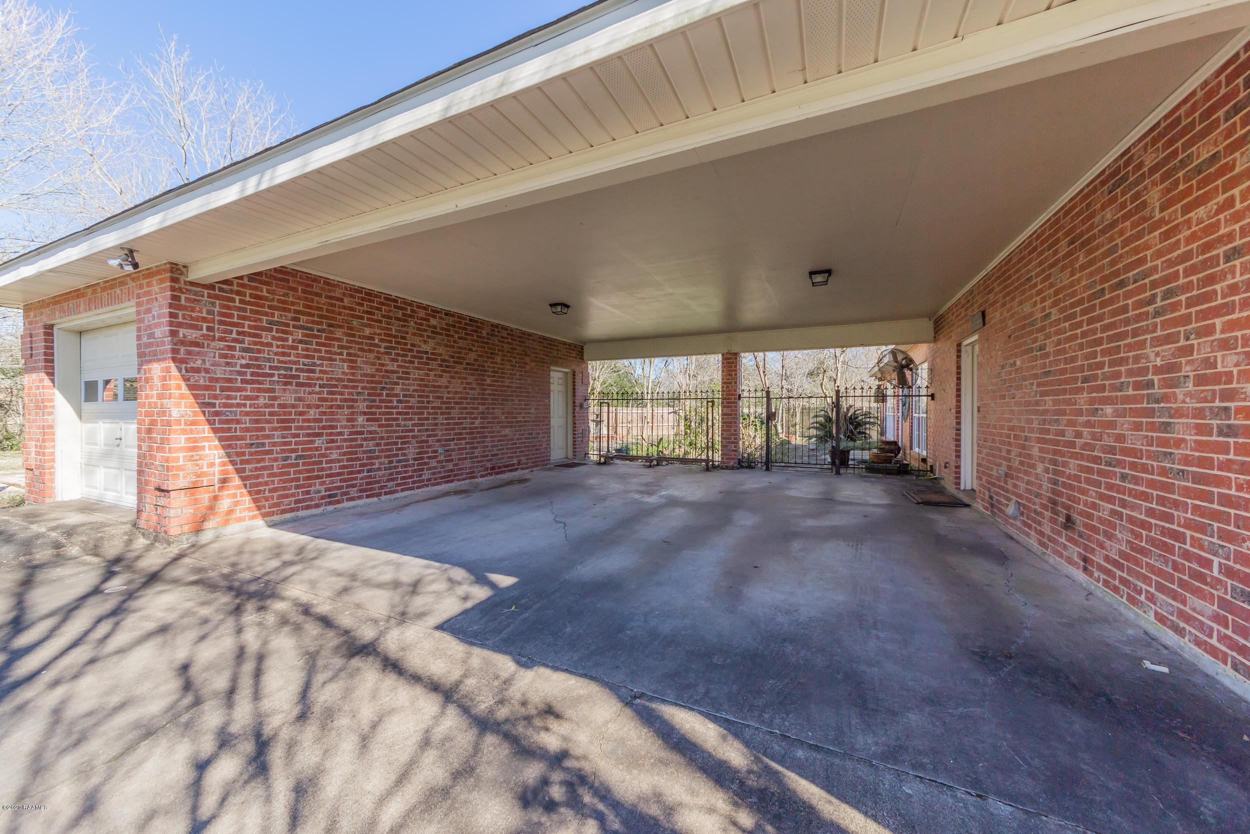 2 Bayou Oaks Drive, Crowley, LA 70526 Photo #16