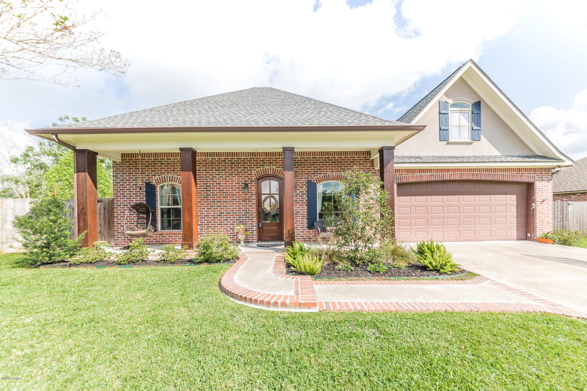 410 Beacon Drive, Youngsville, LA 70592