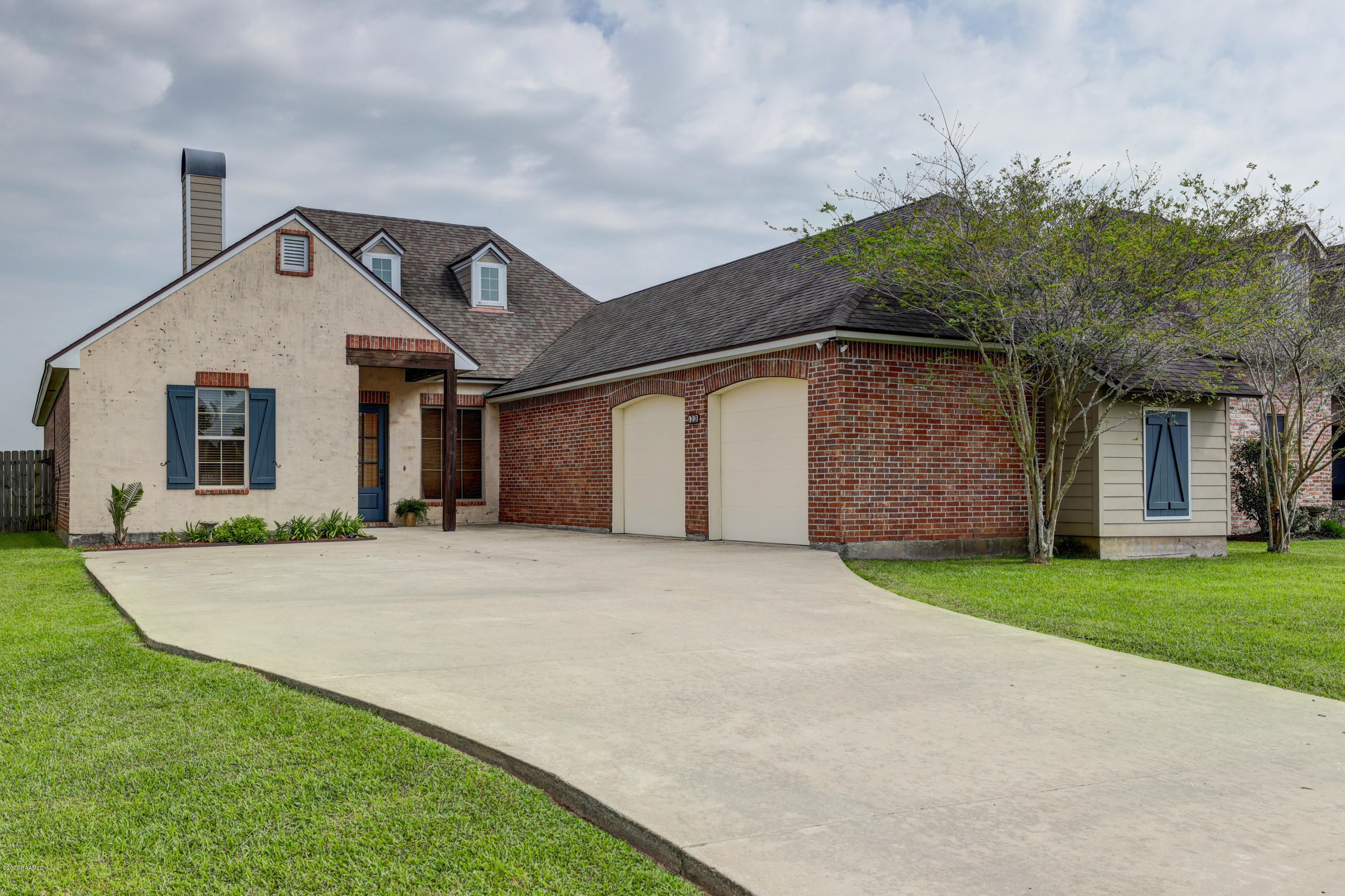 129 Psalm Court, Youngsville, LA 70592