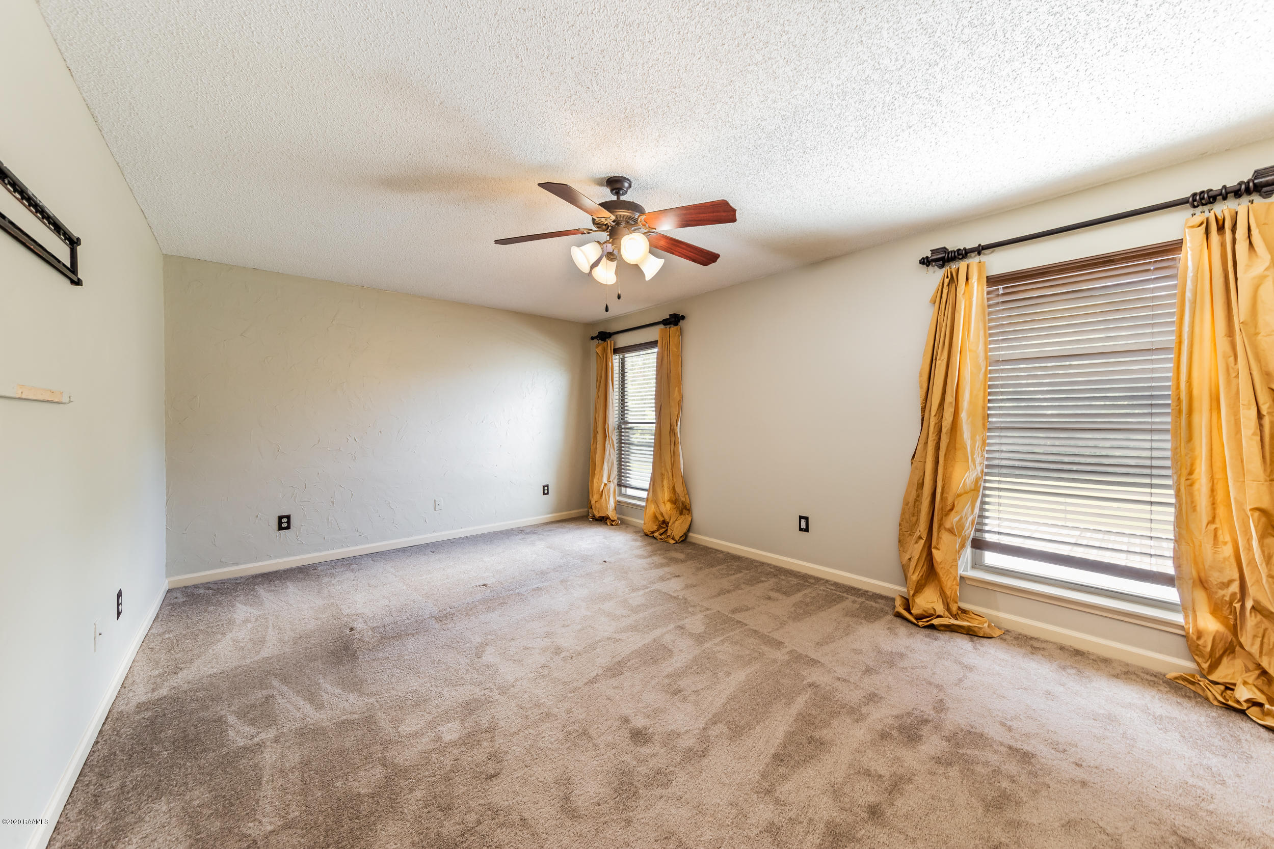 1008 Carriage Light Loop, Youngsville, LA 70592 Photo #13