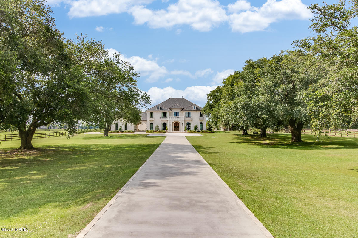 1200 Chemin Agreable Road, Youngsville, LA 70592