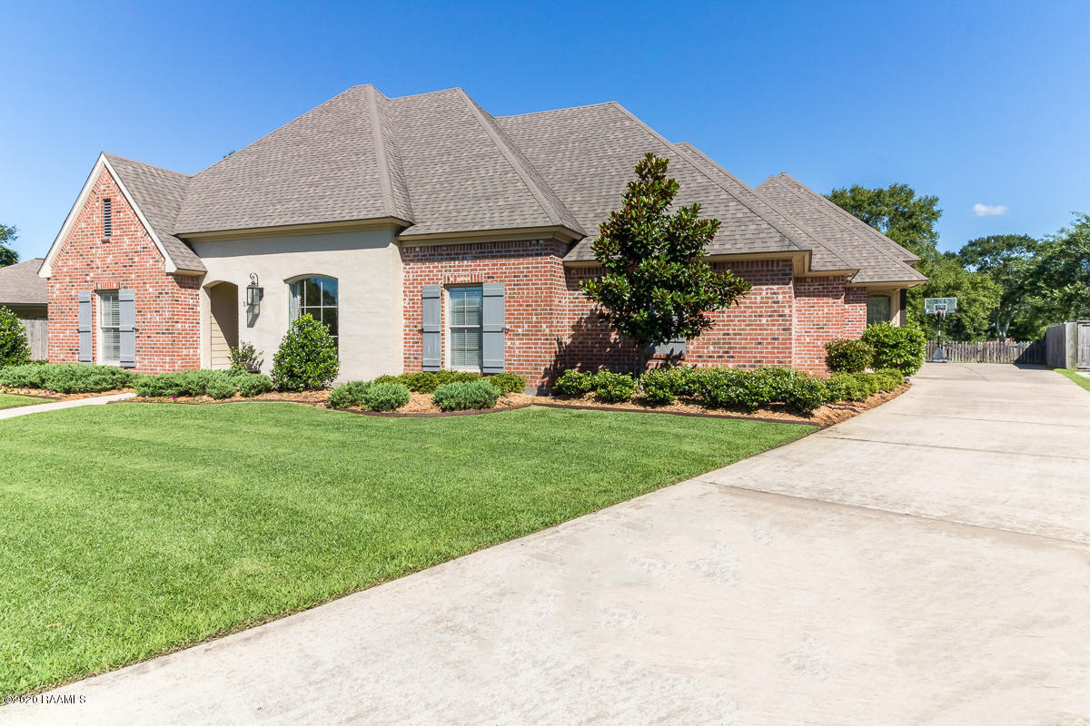 106 Fountain View Dr, Youngsville, LA 70592 Photo #2