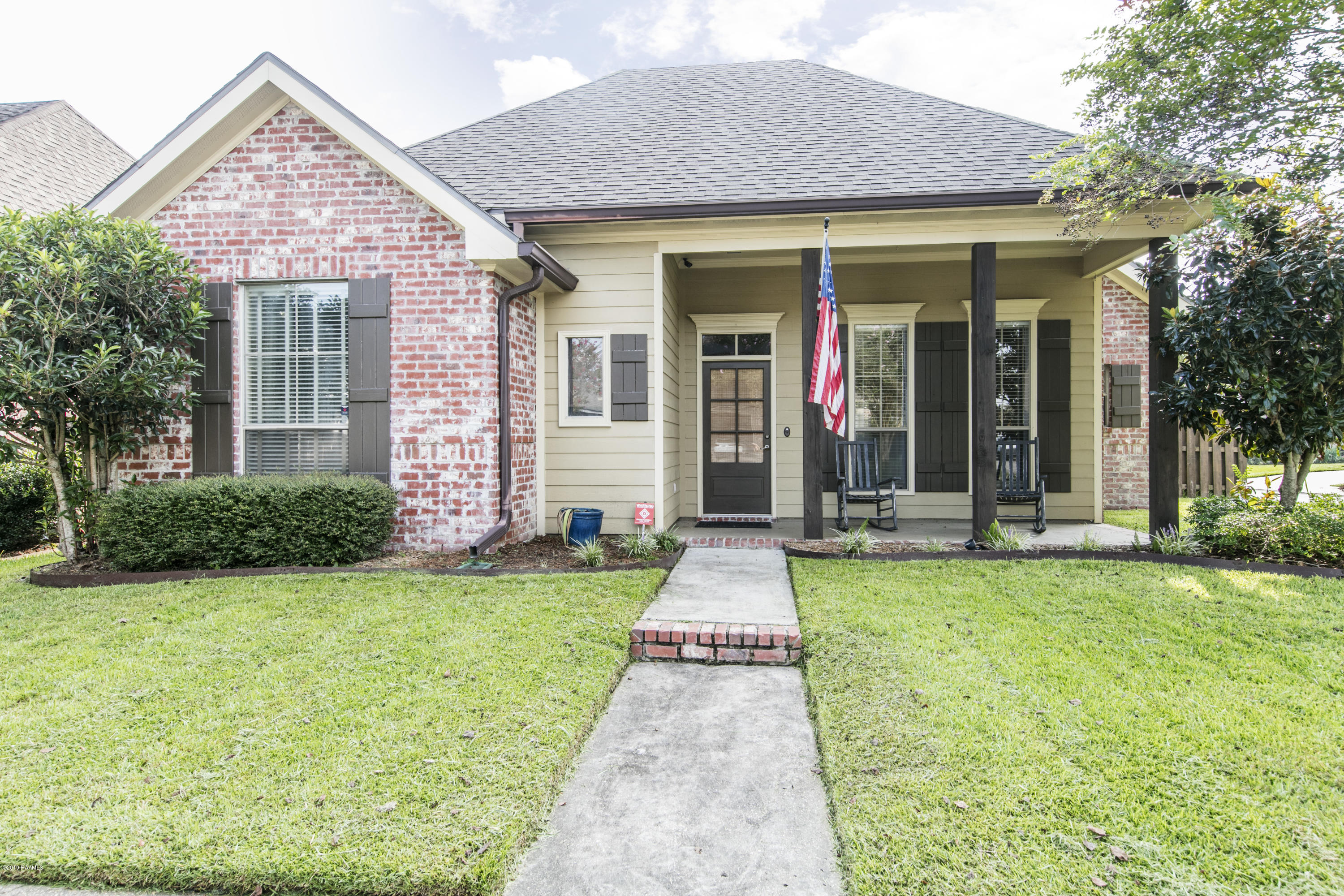 100 Lighthouse Point Circle, Youngsville, LA 70592