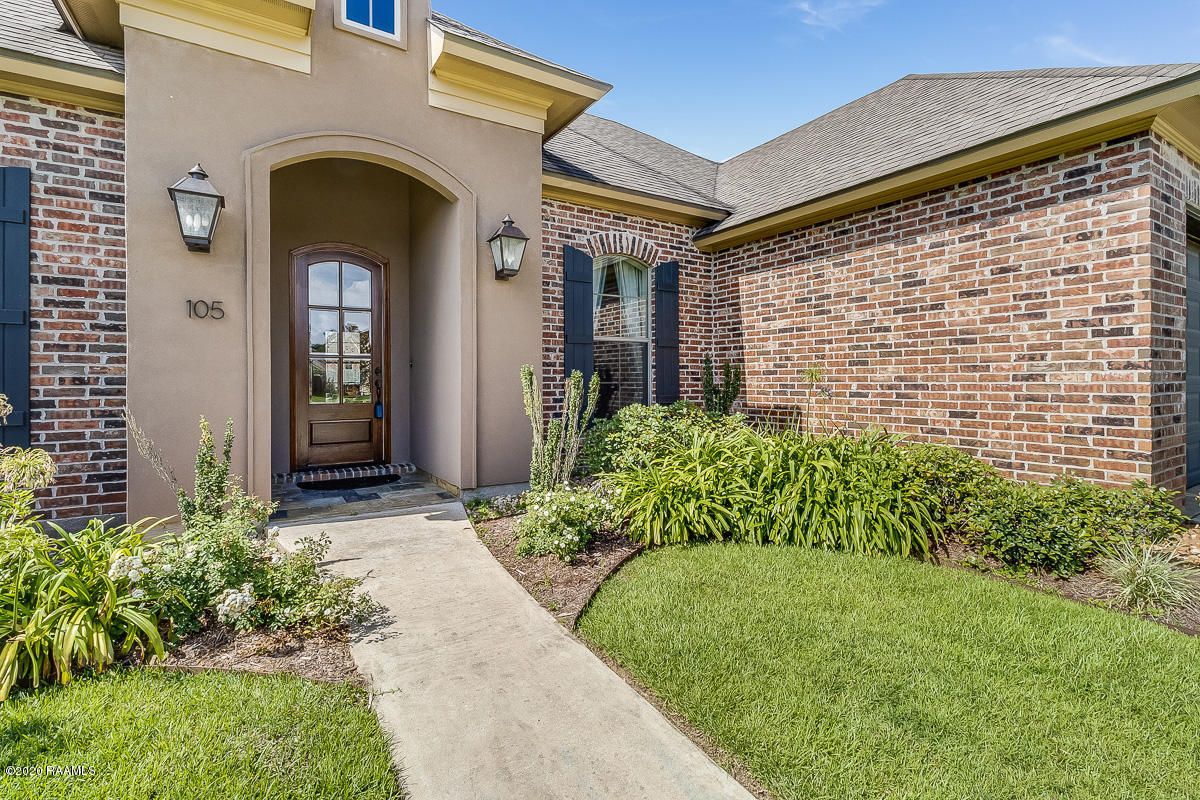 105 Spring View Drive, Youngsville, LA 70592 Photo #2
