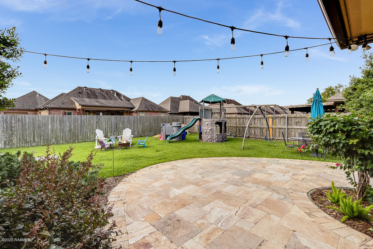 105 Spring View Drive, Youngsville, LA 70592 Photo #25
