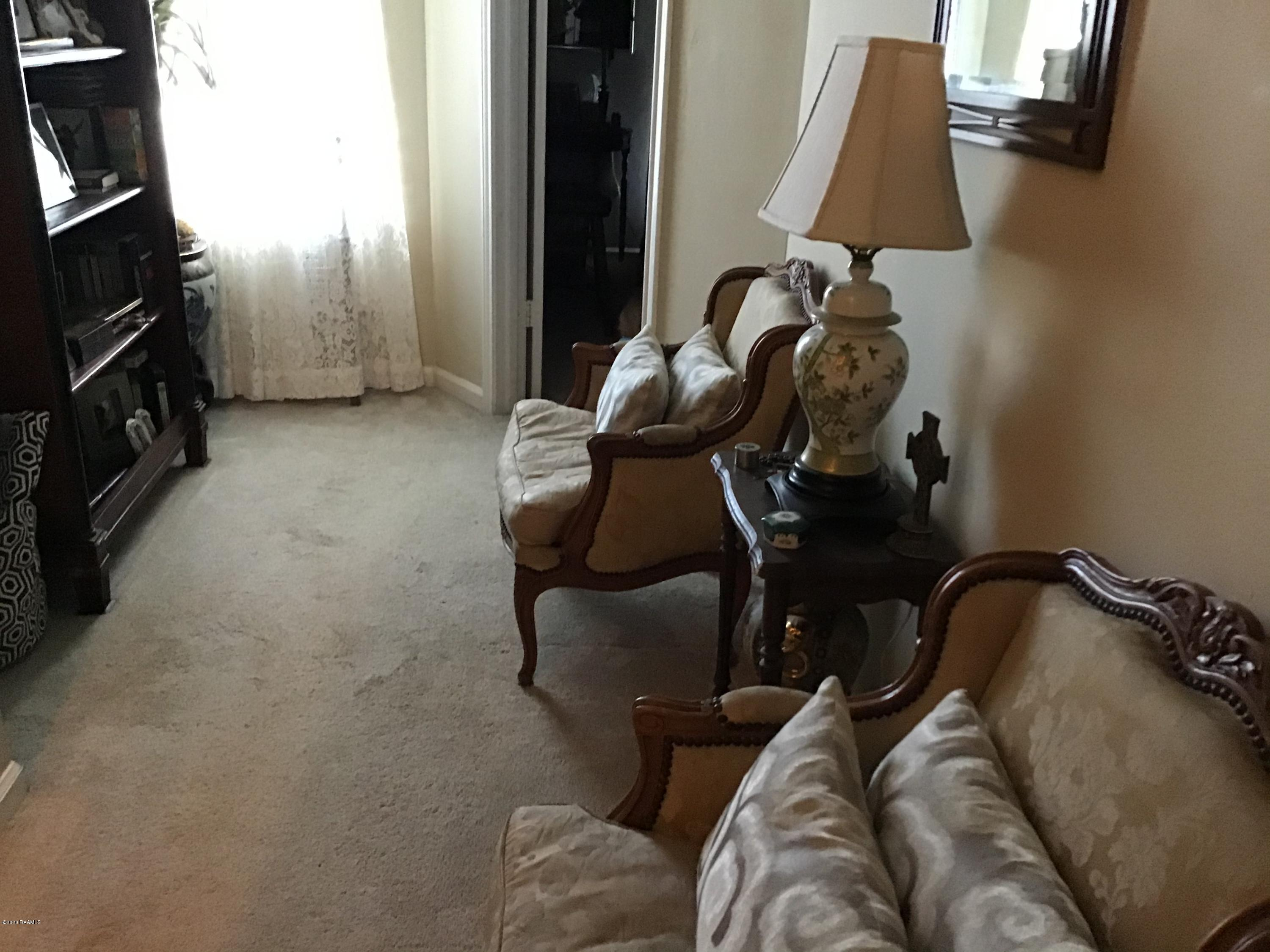 1203 Carriage Light Loop, Youngsville, LA 70592 Photo #2