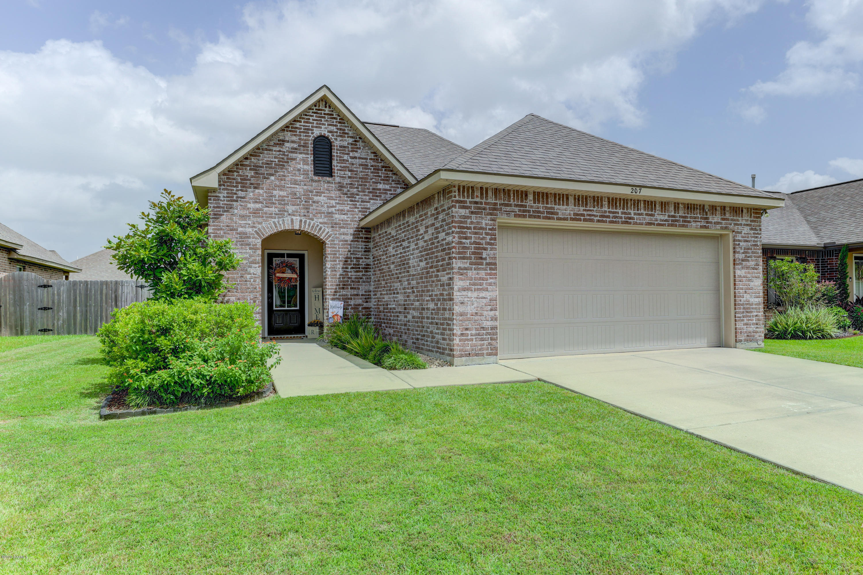 207 Marston House Drive, Youngsville, LA 70592