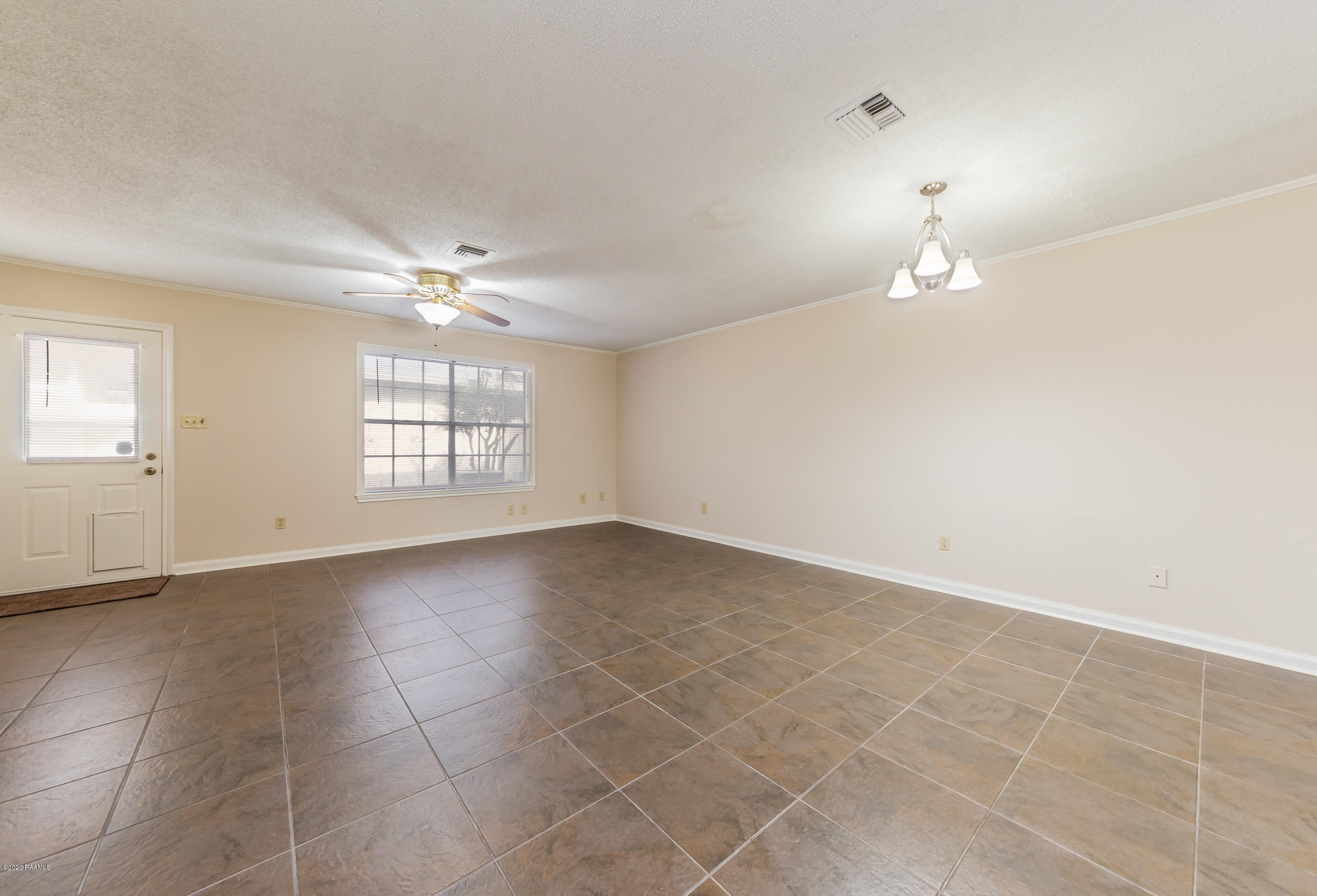 110 Molasses Row, Lafayette, LA 70508 Photo #8