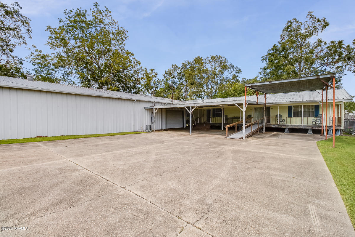 4715 Old Jeanerette Road, New Iberia, LA 70560 Photo #1