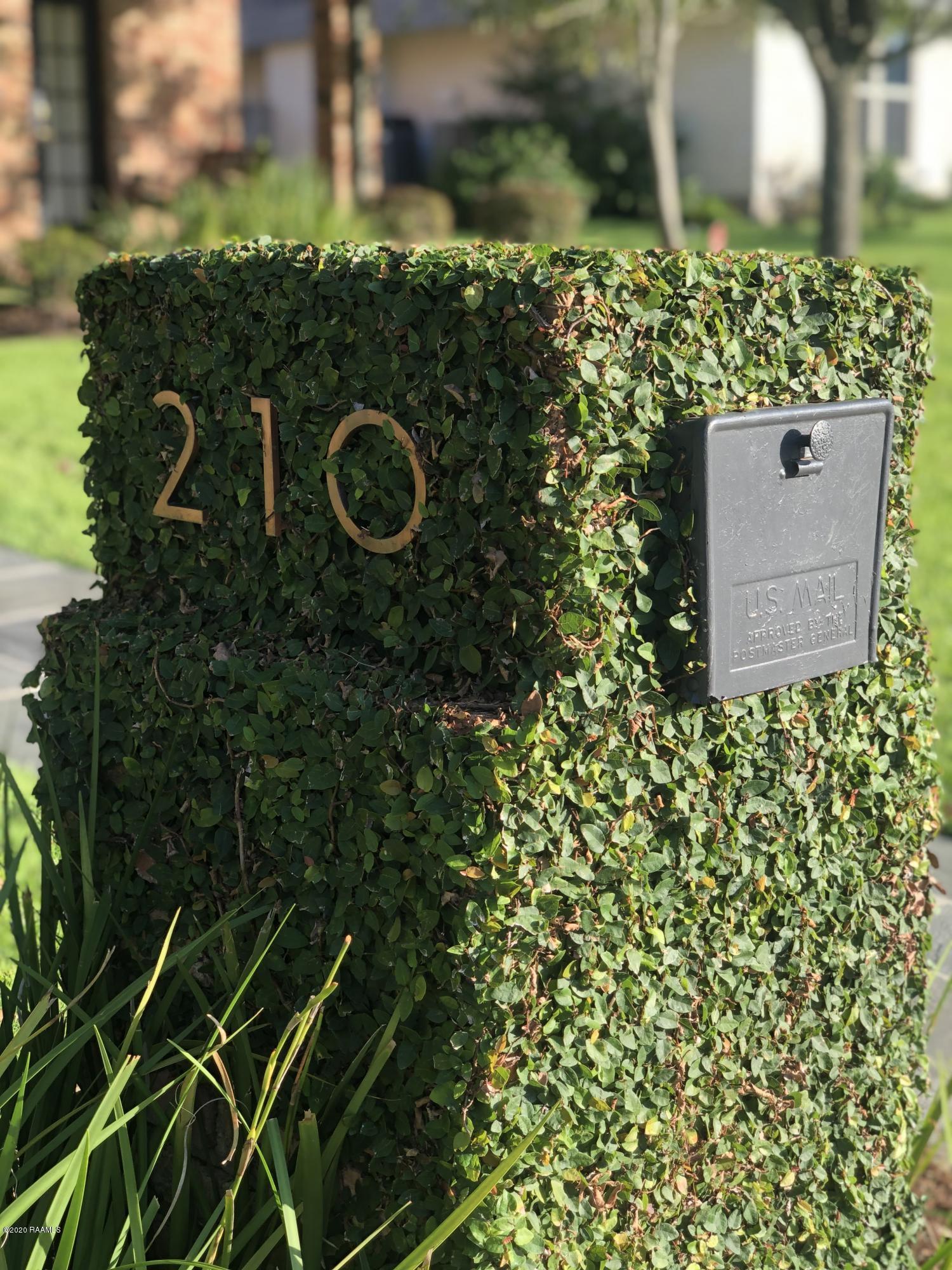 210 Clem Drive, Lafayette, LA 70503 Photo #4