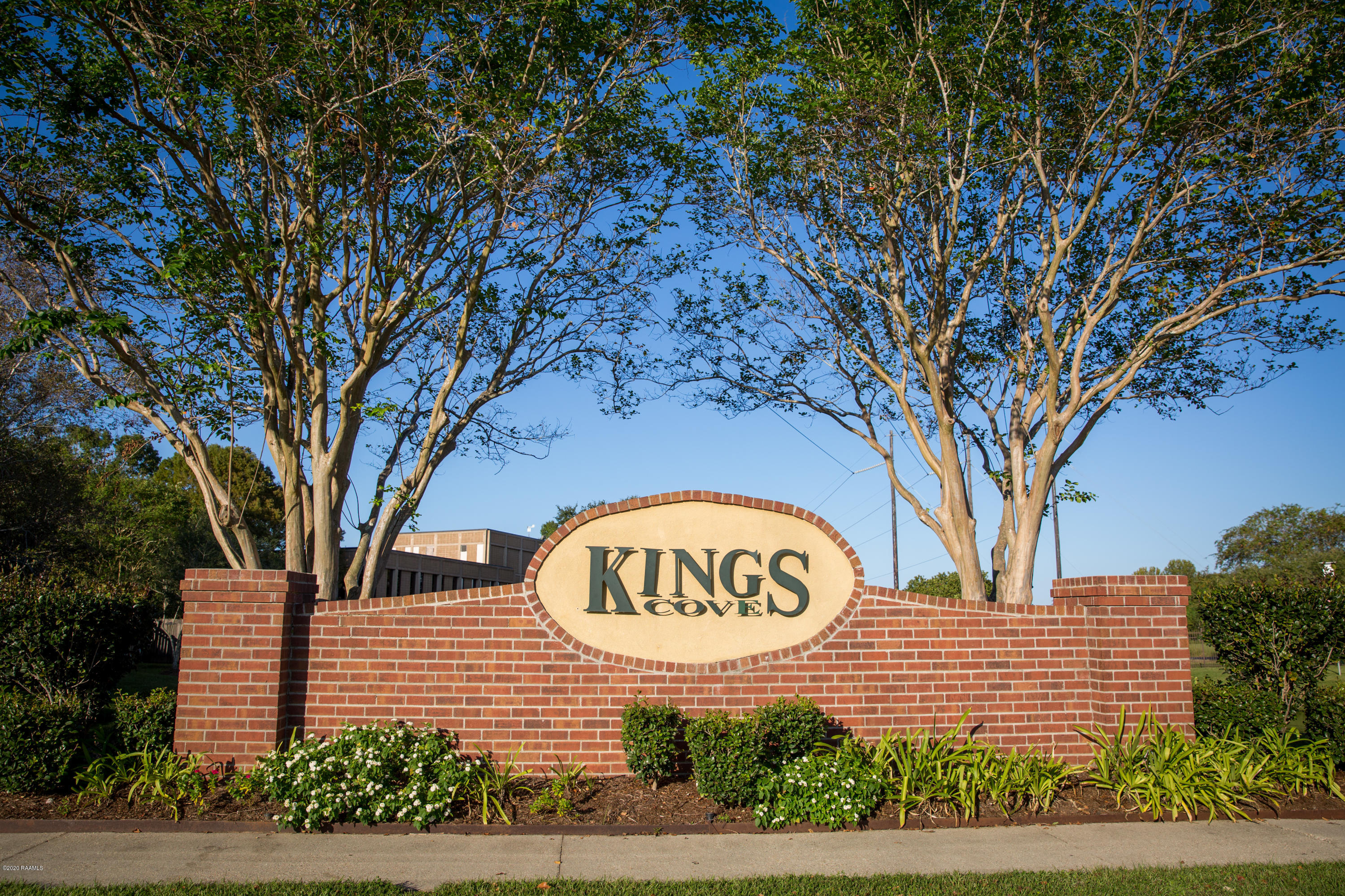 402 Kings Cove Circle, Lafayette, LA 70508 Photo #2