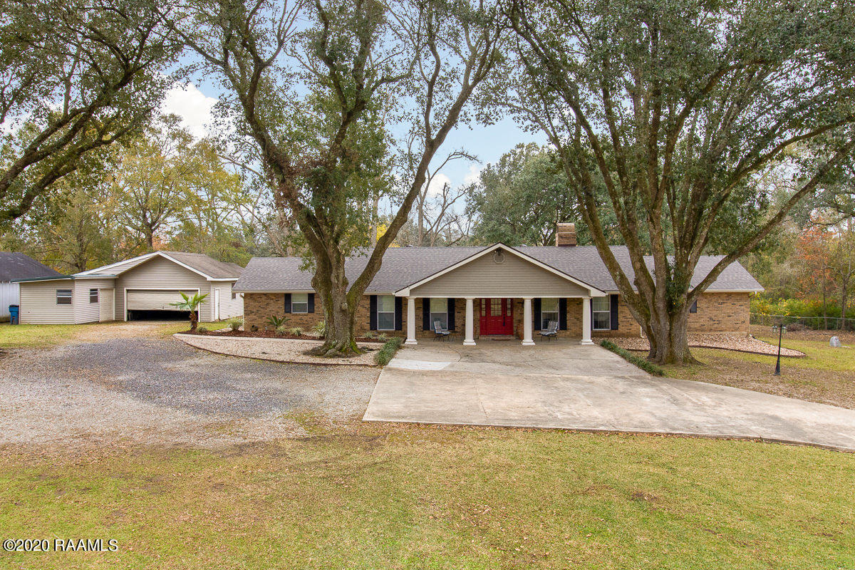 438 Brasseaux Road, Carencro, LA 70520