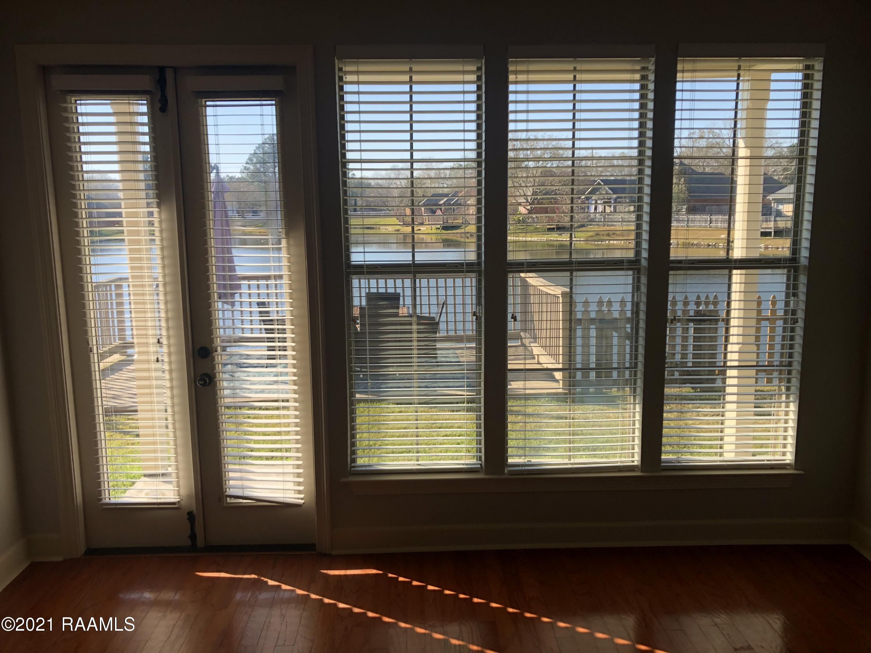 109 Lighthouse Point Circle, Youngsville, LA 70592 Photo #6