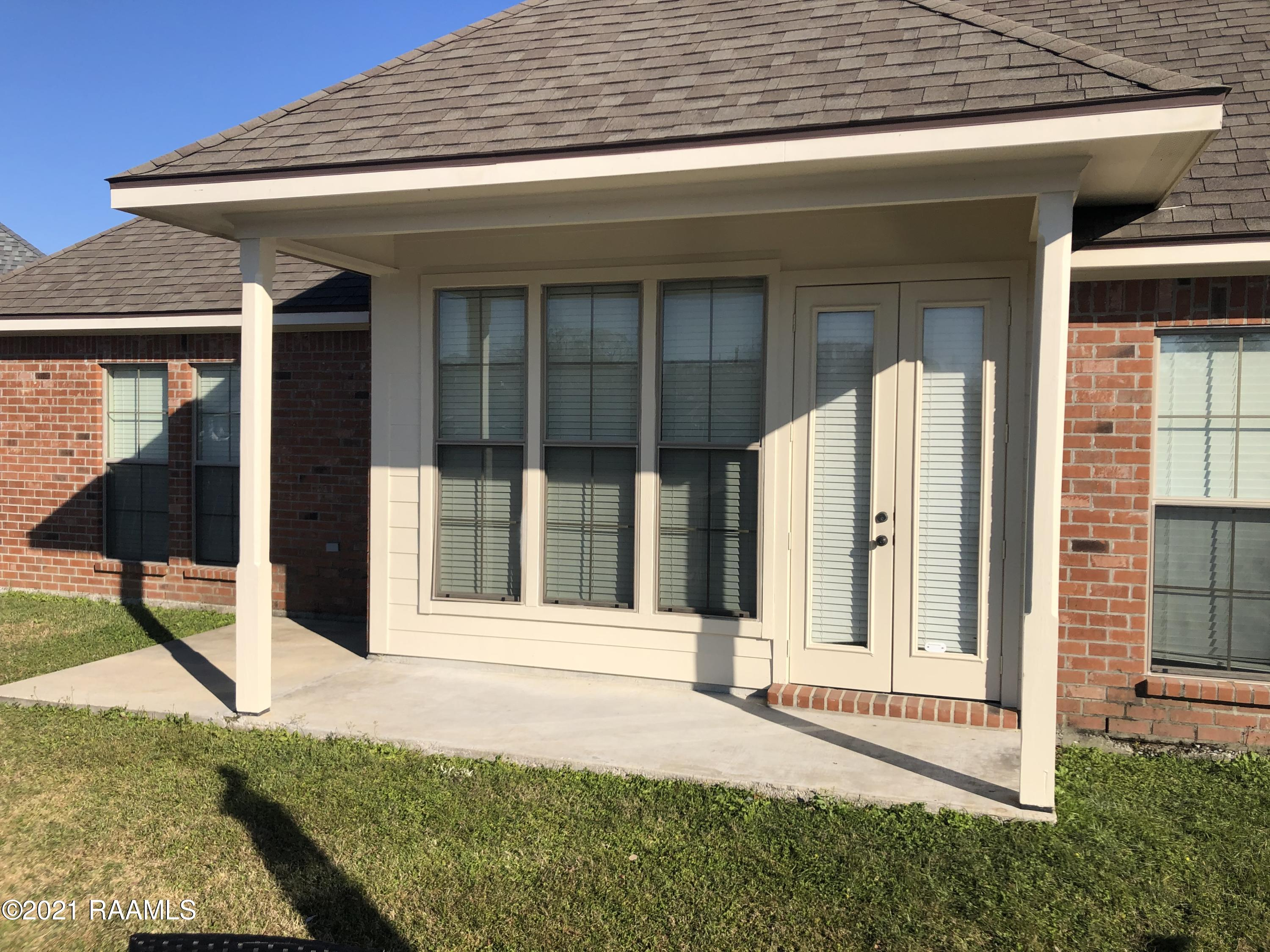 109 Lighthouse Point Circle, Youngsville, LA 70592 Photo #20