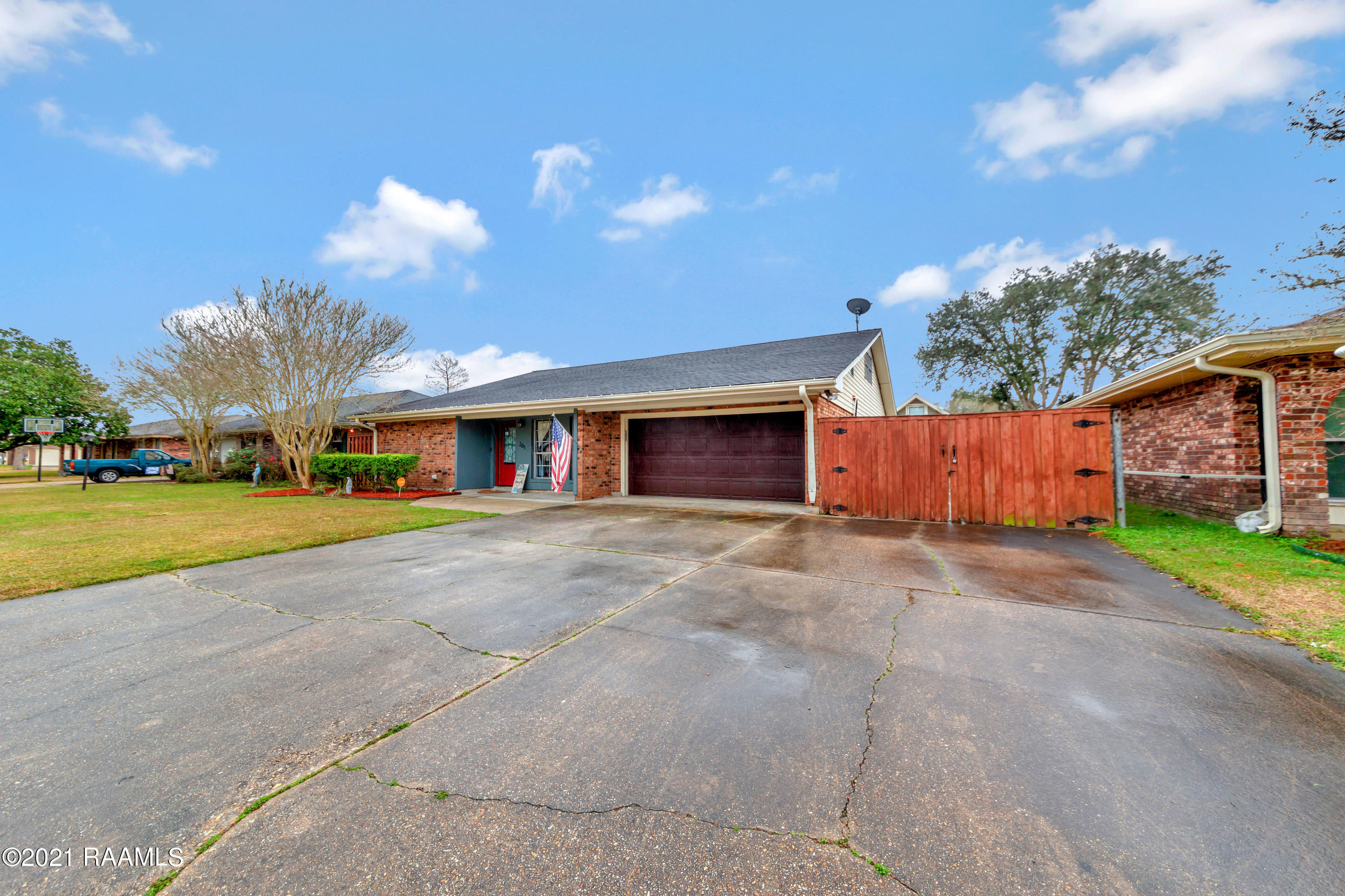 205 Hogan Street, Berwick, LA 70342 Photo #3