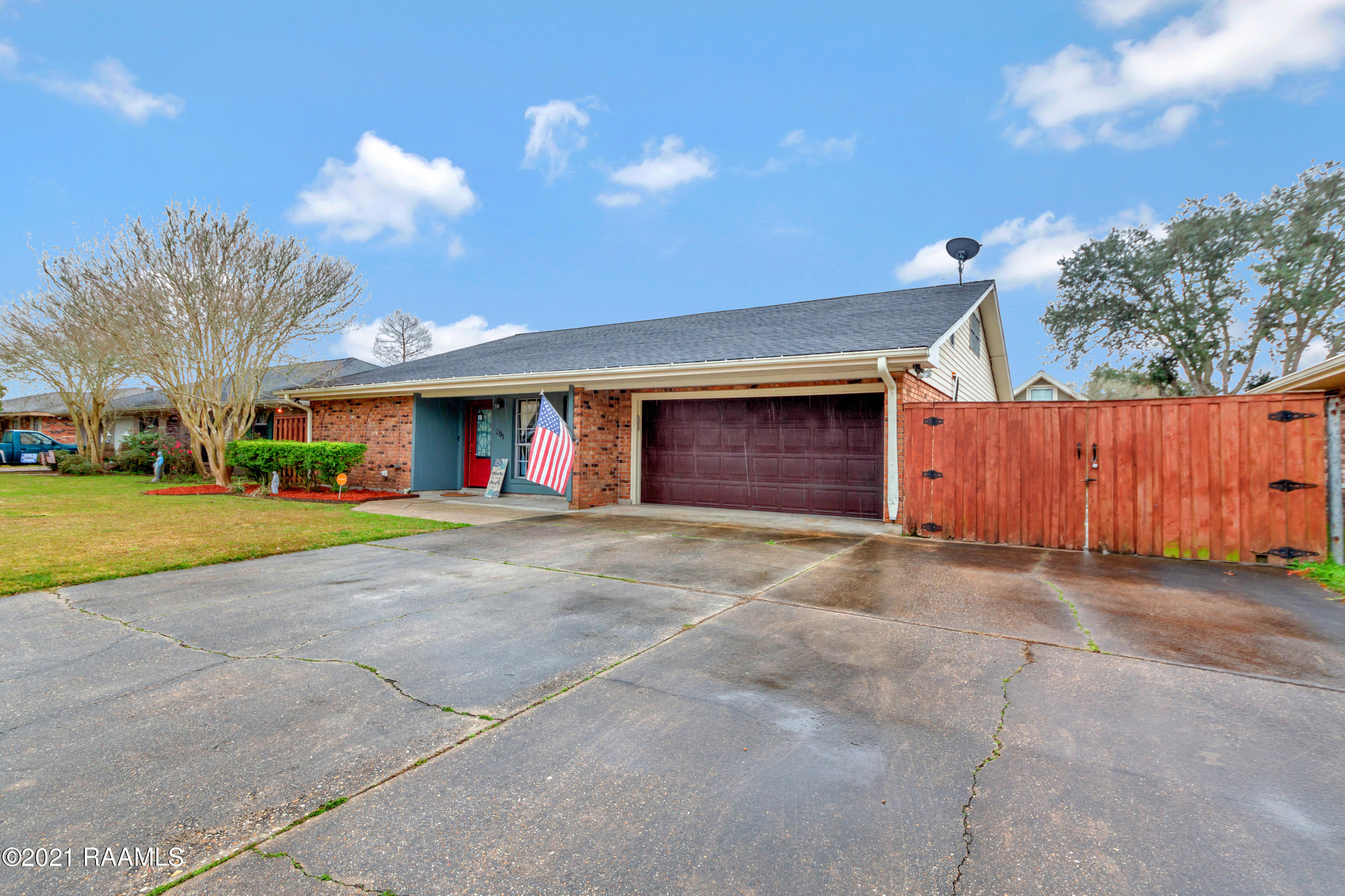 205 Hogan Street, Berwick, LA 70342 Photo #4