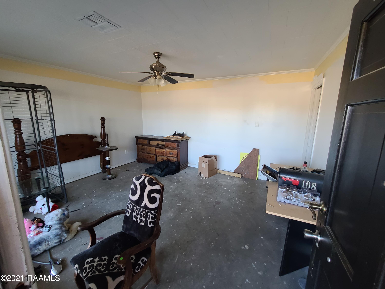 916 Butler Street E, Rayne, LA 70578 Photo #2