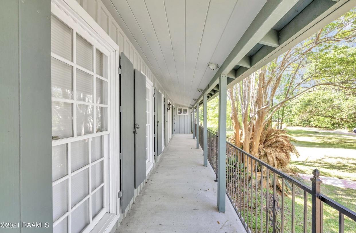 502 Leblanc Street E, Delcambre, LA 70528 Photo #5