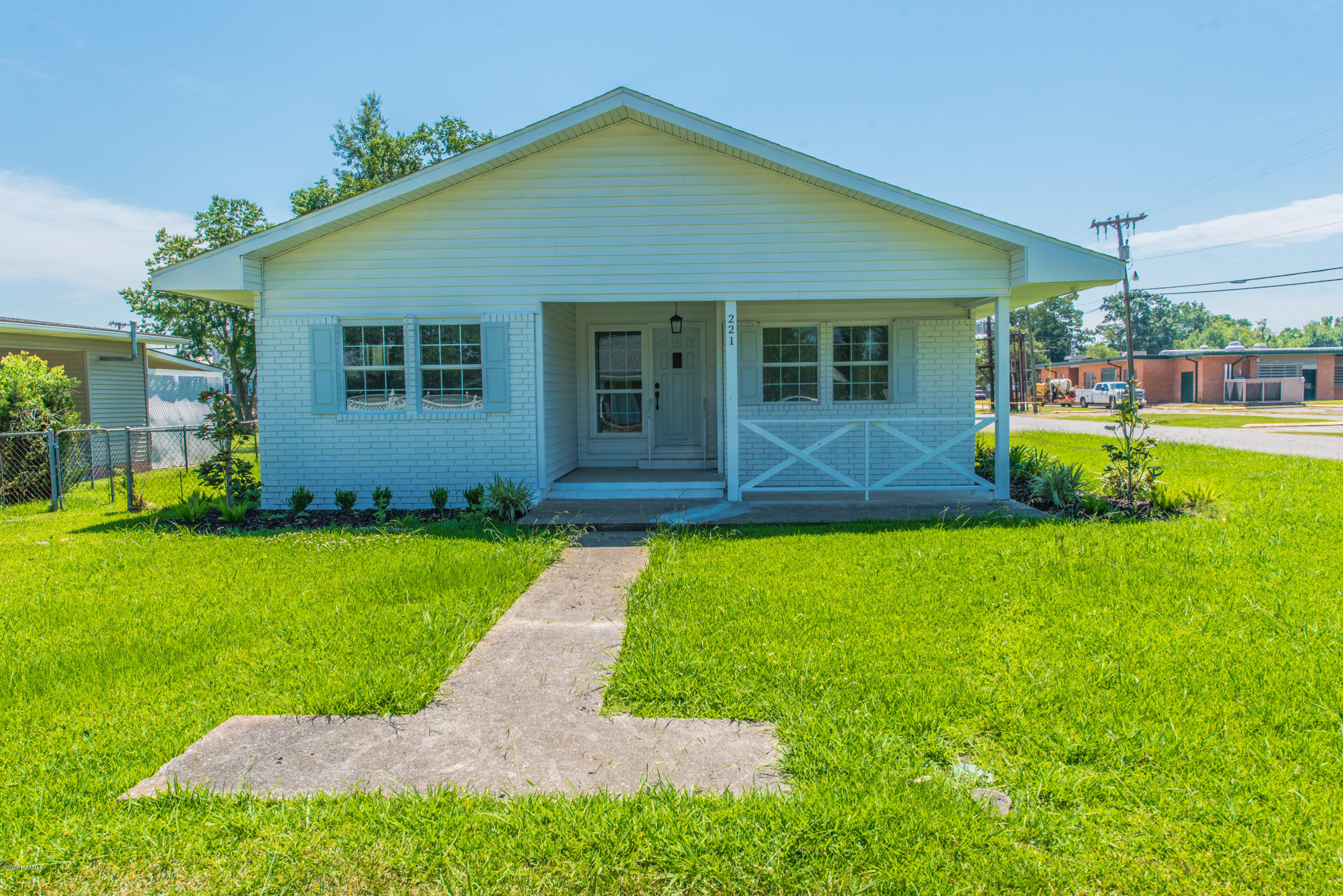 221 Chevis Street S, Rayne, LA 70578 Photo #2