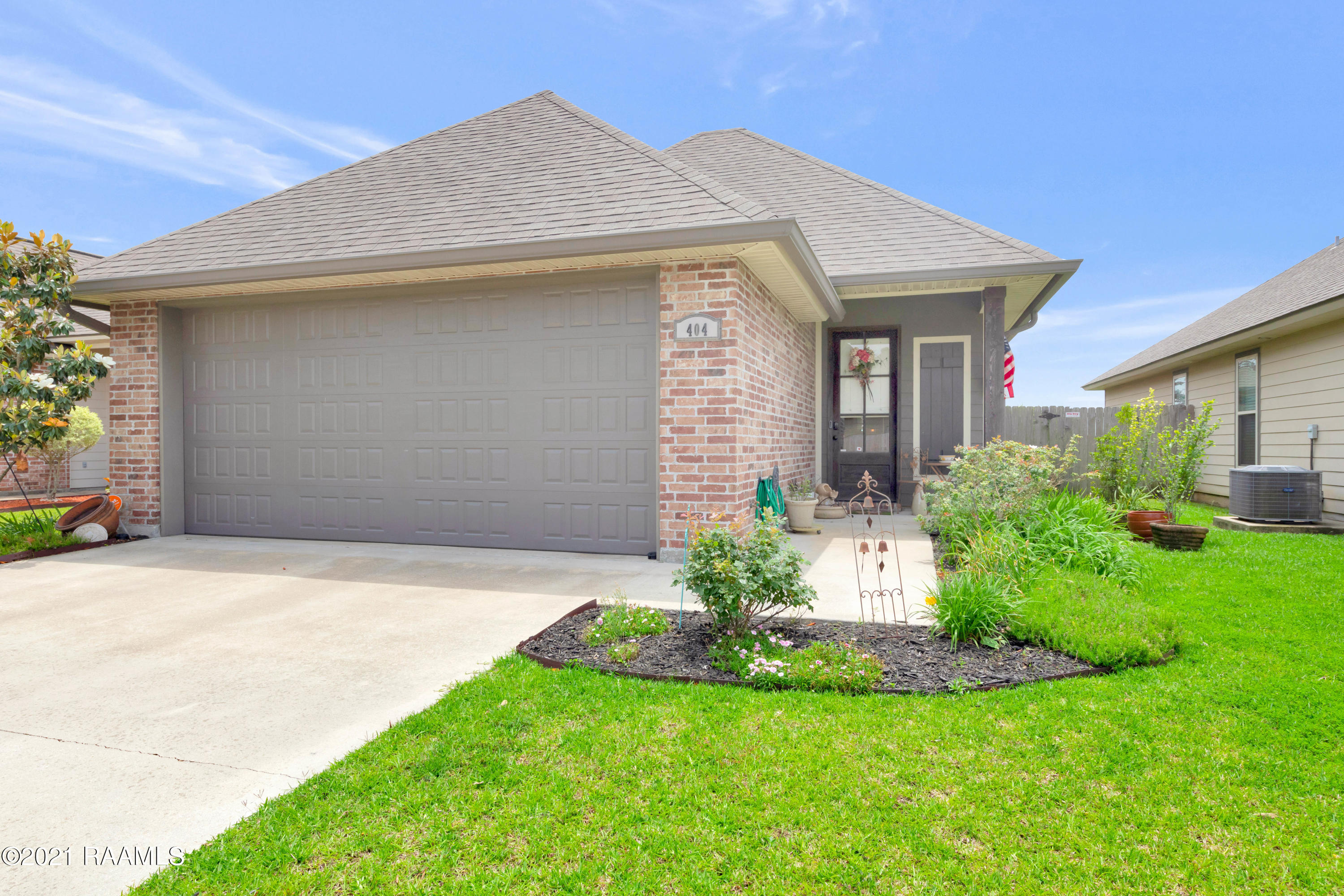 404 Highland View Drive, Youngsville, LA 70592