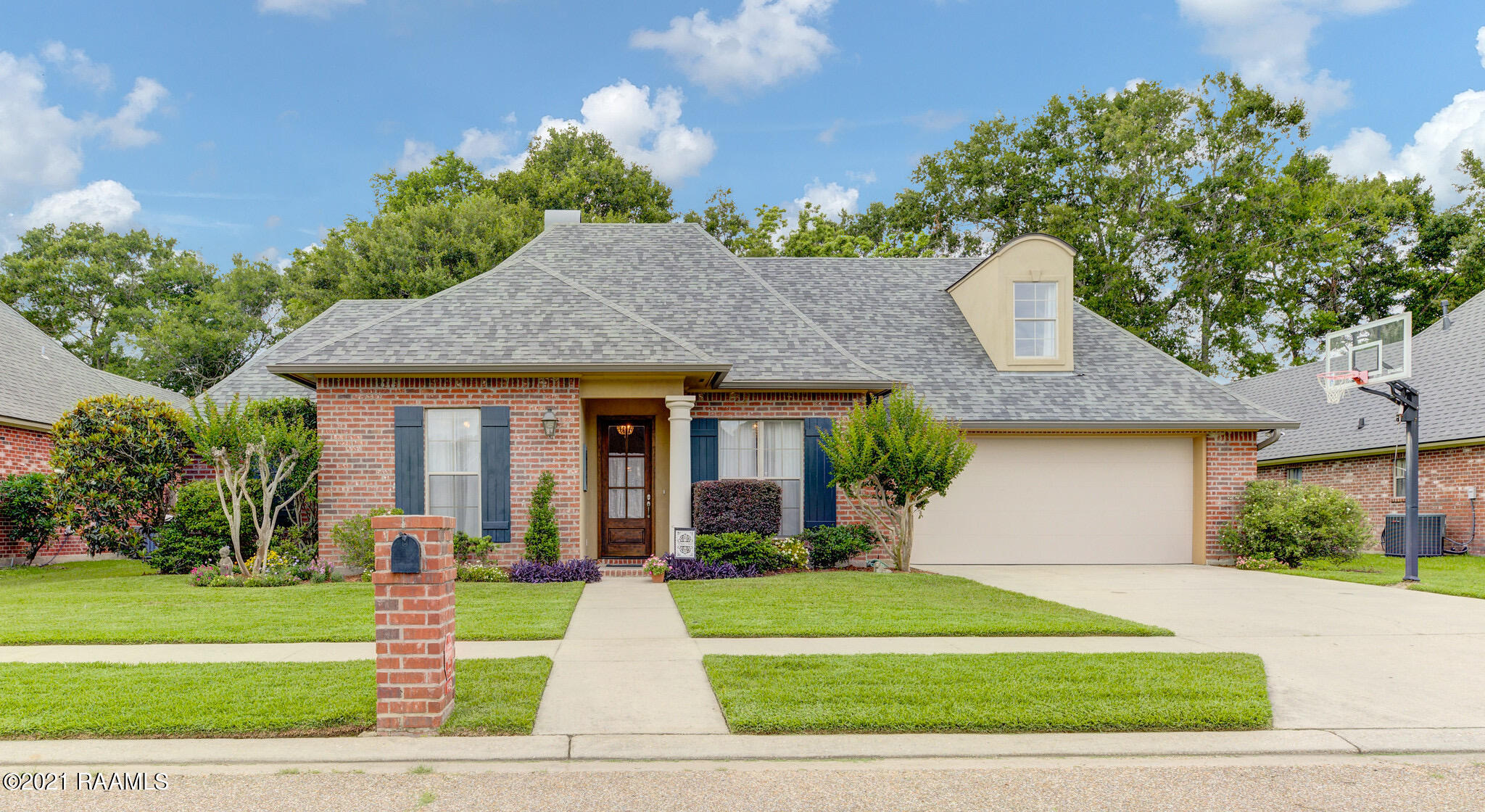 149 Willow Bend, Youngsville, LA 70592 Photo #1
