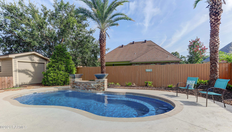 104 Brookhollow Drive, Youngsville, LA 70592 Photo #4