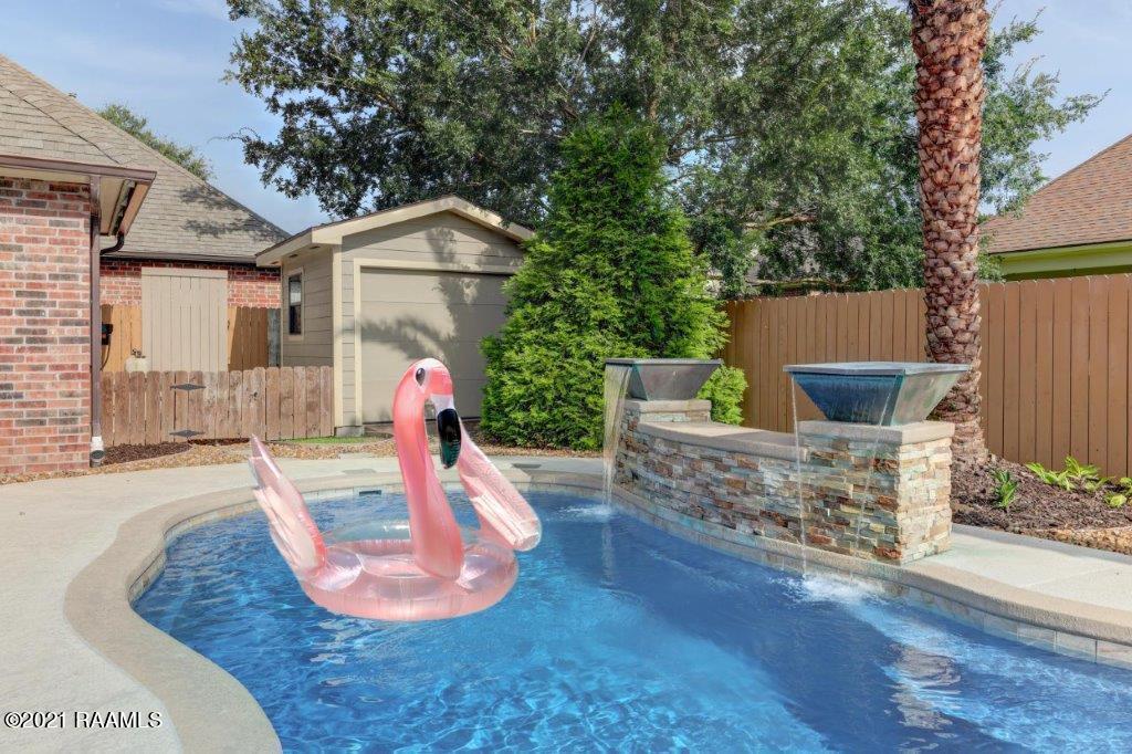 104 Brookhollow Drive, Youngsville, LA 70592 Photo #27