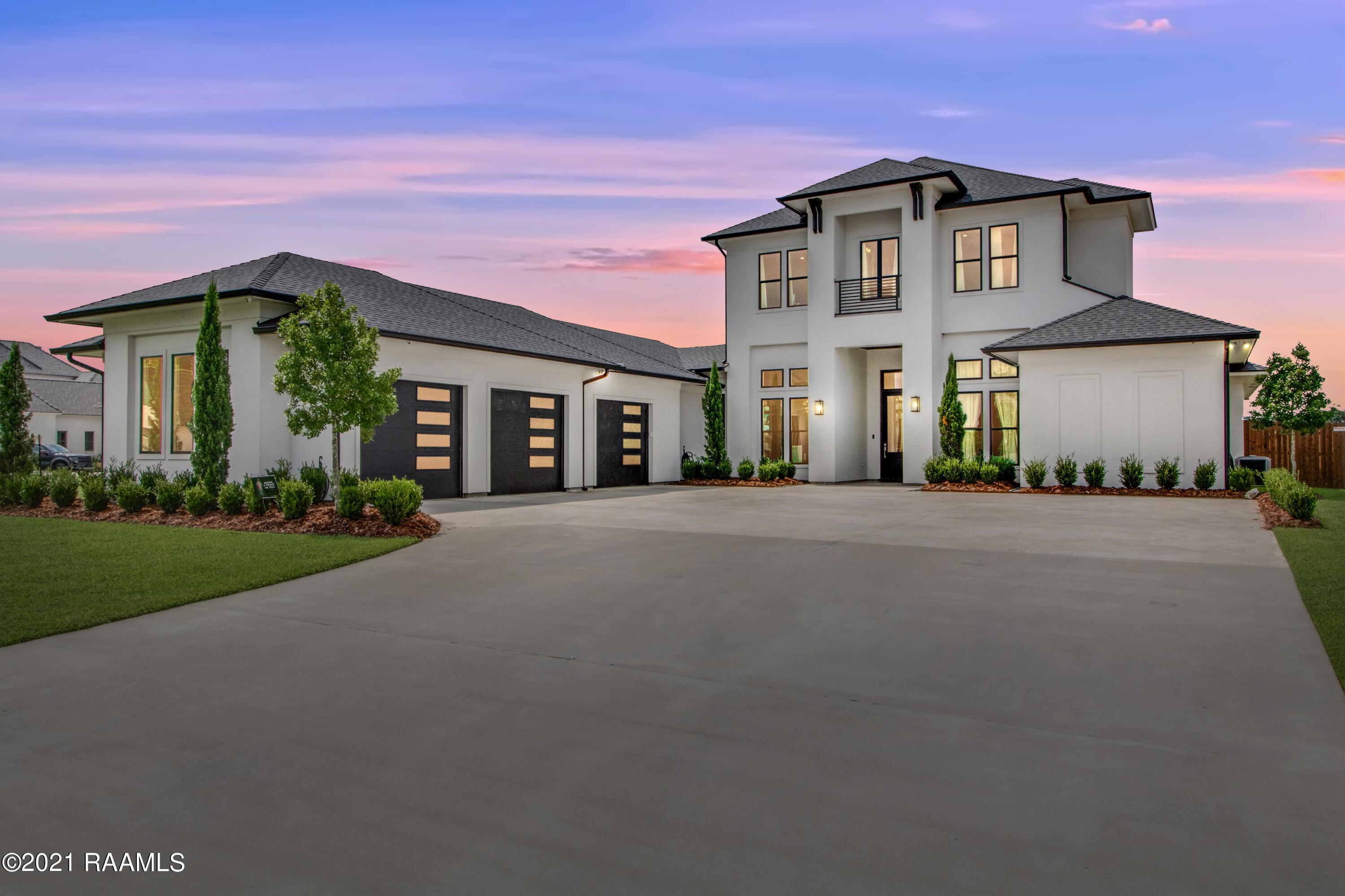 107 Kingfisher Drive, Lafayette, LA 70508