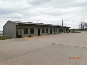 1011 B W 24 Highway, Moberly, MO 65270
