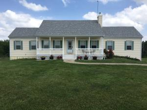 2972 County Road 2735, Moberly, MO 65270