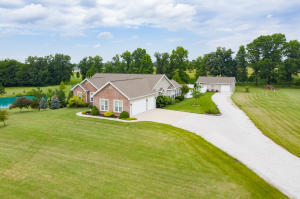 1172 County Road 2731, Moberly, MO 65270