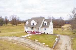 1096 County Road 2328, Moberly, MO 65270