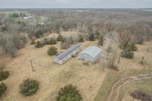 1941 County Road 2445, Huntsville, MO 65259