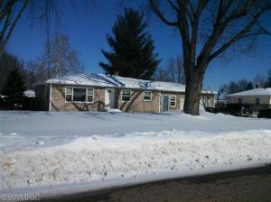 1327 Oakwood Drive, Jenison, MI 49428
