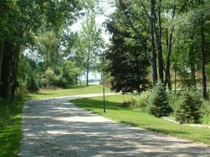 7909 Bendere Road, Hickory Corners, MI 49060