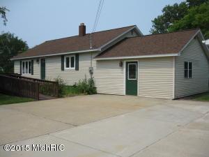280 W Goff Ave Avenue, Eastlake, MI 49626