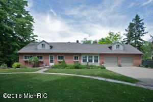 9718 Brickyard Road, Delton, MI 49046