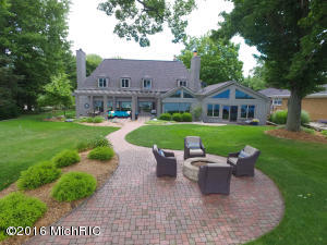 728 Country Club Drive, Battle Creek, MI 49015