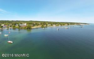 13561 S West-Bay Shore Drive, Traverse City, MI 49684