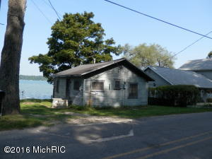 68270 Klinger Lake Road, Sturgis, MI 49091