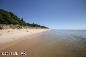 22 Peppers Trail, Montague, MI 49437
