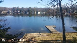 2225 Lake George Drive, Lake George, MI 48633