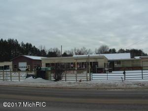 5899-5921 W 10 1/2 Mile Road, Irons, MI 49644