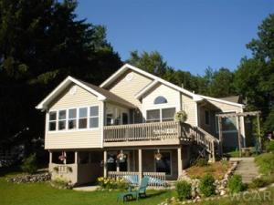 8184 West Royal Road, Canadian Lakes, MI 49346