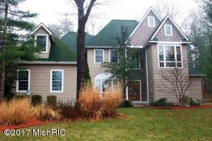 2082 Geneva Lane, Norton Shores, MI 49441