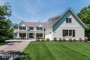 Extraordinary furnished turn key house on Lake Michigan with 122 feet of frontage