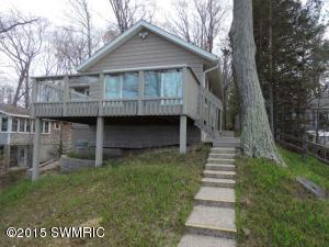 3253 Winnetaska Road, Norton Shores, MI 49441