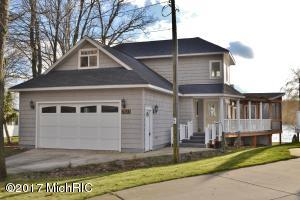 7821 Bay Meadow Drive, Canadian Lakes, MI 49346